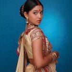 mrunmayee-deshpande-marathi-actress-saree