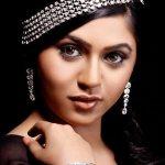 mrunmayee-deshpande-marathi-actress