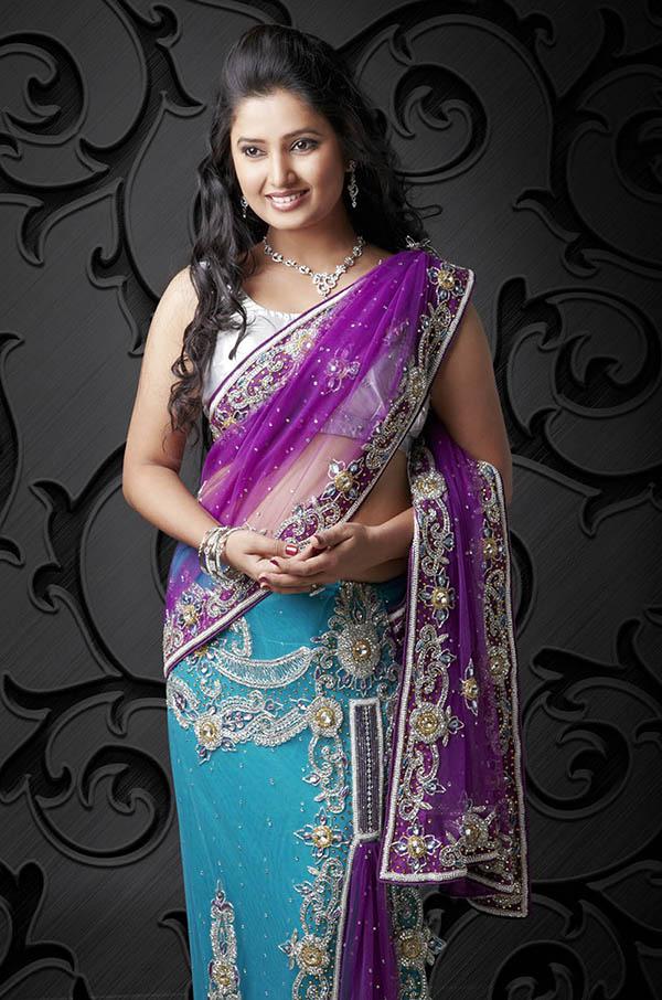 Renuka Shahane - Wikipedia