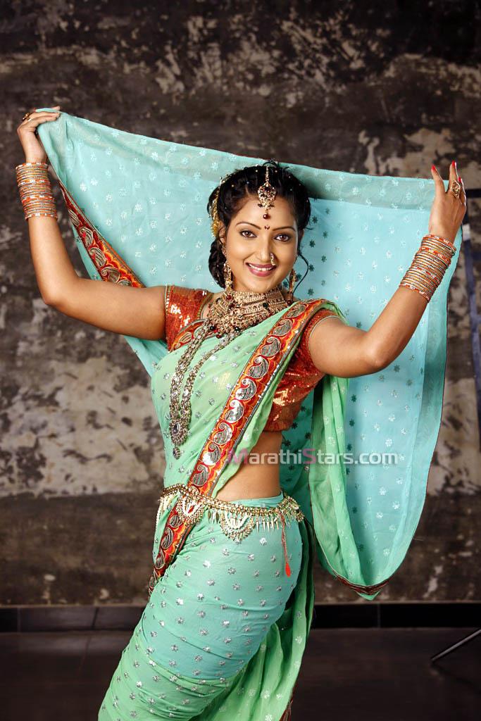 Rupali Bhosle Marathi Actress Ekapeksha Ek Apsara Aali Naveena Navel Images