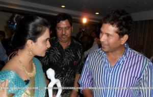 Amruta Subhash With Sachin Tendulkar