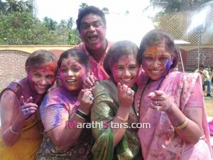 Ambat Goad Star pravah Serial Cast Playing Holi Photos