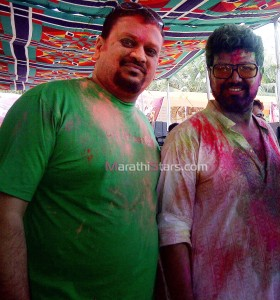 Avadhoot Gupte While Playing Holi