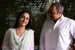 Mrunal kulkarni & Sachin khedekar in Prem Mhanje Prem Asta Movie
