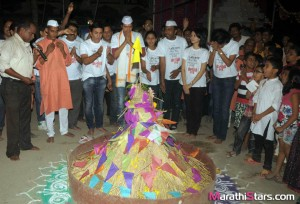 Sanshay Kallol Marathi Movie Team Celebrating Holi