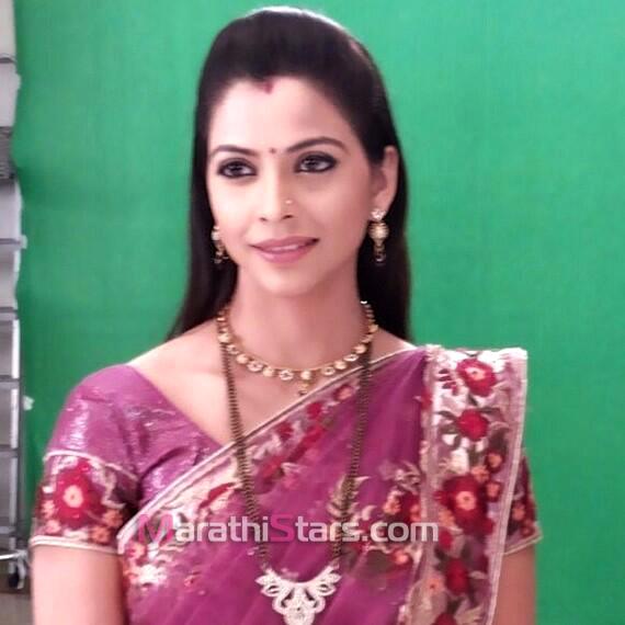 Marathi Actress Photos,Wallpapers,Images,Biography,Wiki