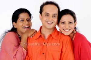 Madhura Velankar With Sandip khare and Vibhawari deshpande