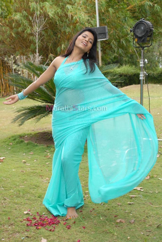 Suvarna Kale Marathi Actress Saree Naveena Navel Images