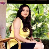 Shruti Marathe in Premsutra Marathi movie