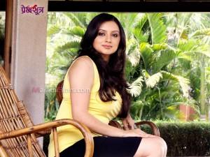 Shruti Marathe in Premsutra Marathi movie