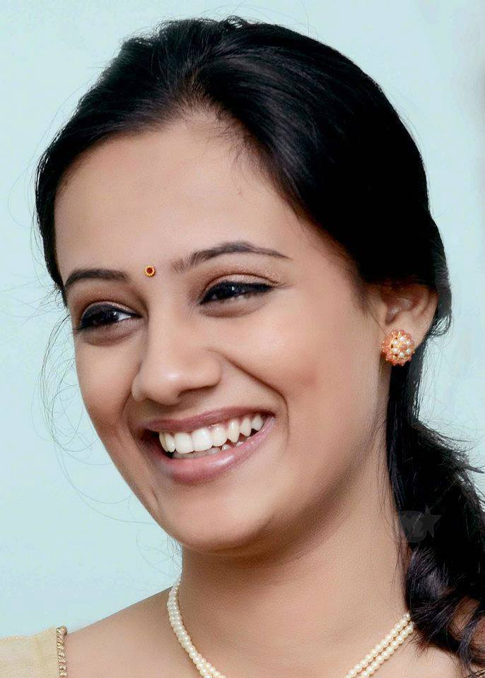 spruha joshi height