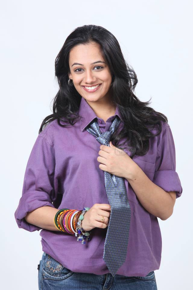 Spruha Joshi Marathi Actress Biography Photos Filmography ...