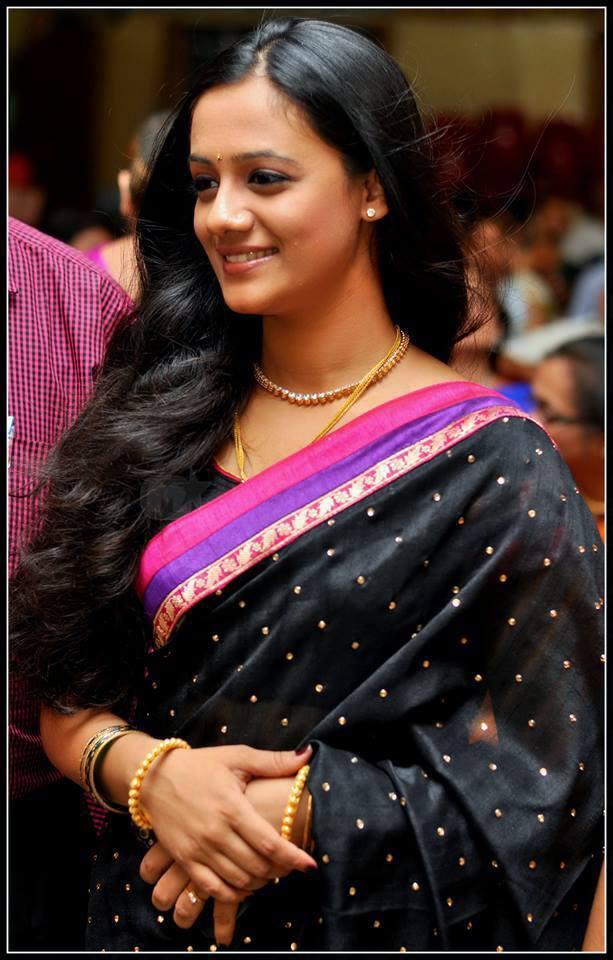 Joshi Saree Spruha Joshi in Saree Photos