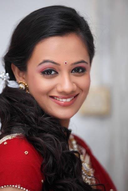 Spruha Joshi Marathi Actress Biography Photos Filmography Profile Wiki
