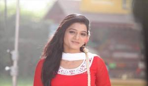 Urmila Kothare( Urmila Kanitkar) as MINU  - Duniyadari Marathi Movie Still Photos