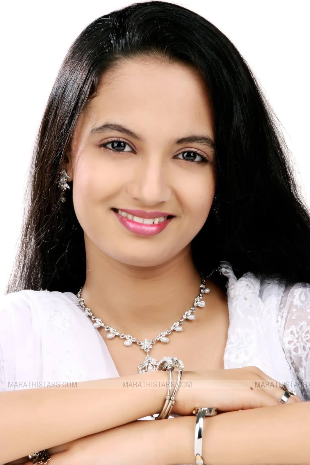 Ketaki Mategaonkar Marathi Actress Photos Biography Wiki -9206