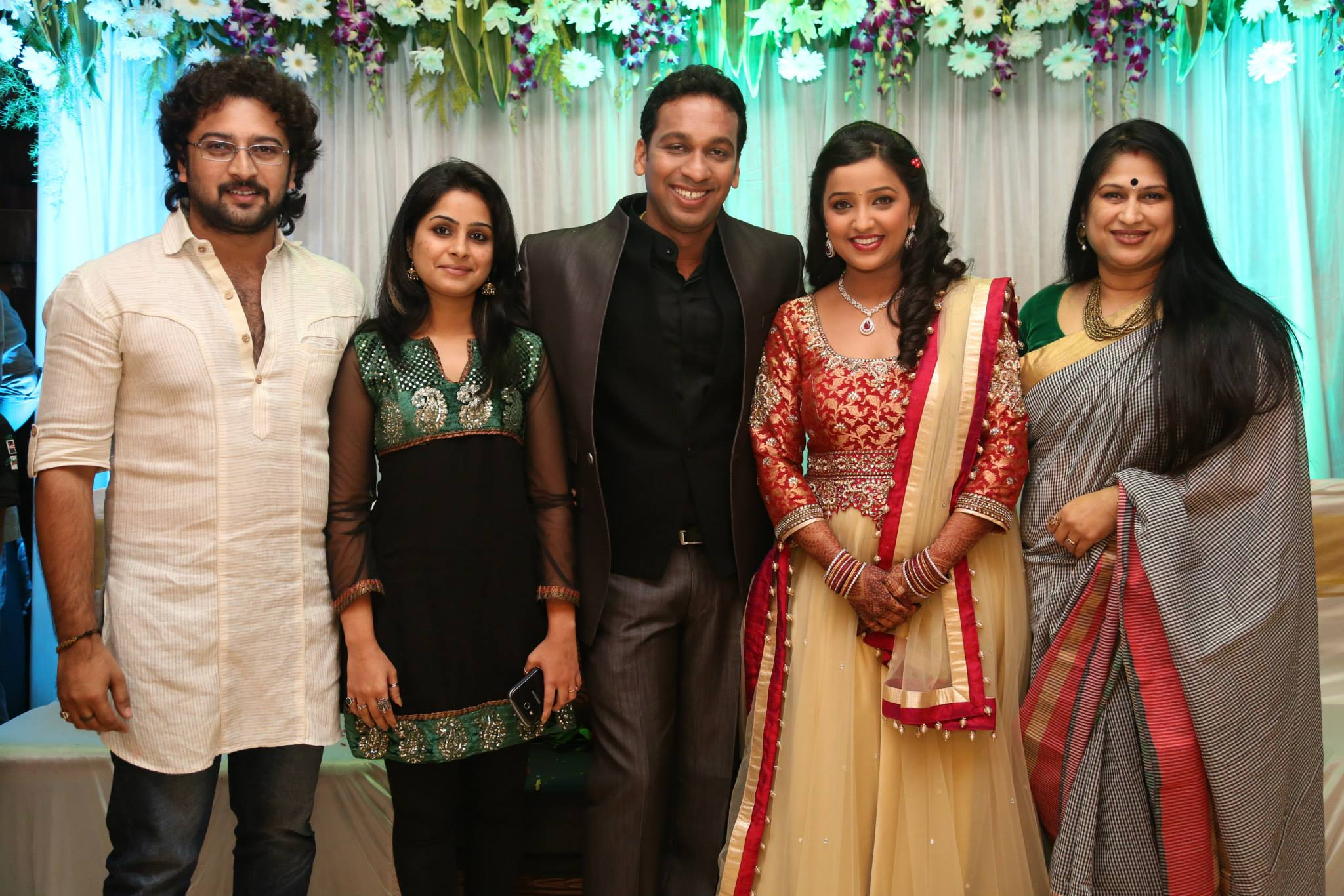 Gallery images and information: Mrunal Dusanis Real Marriage