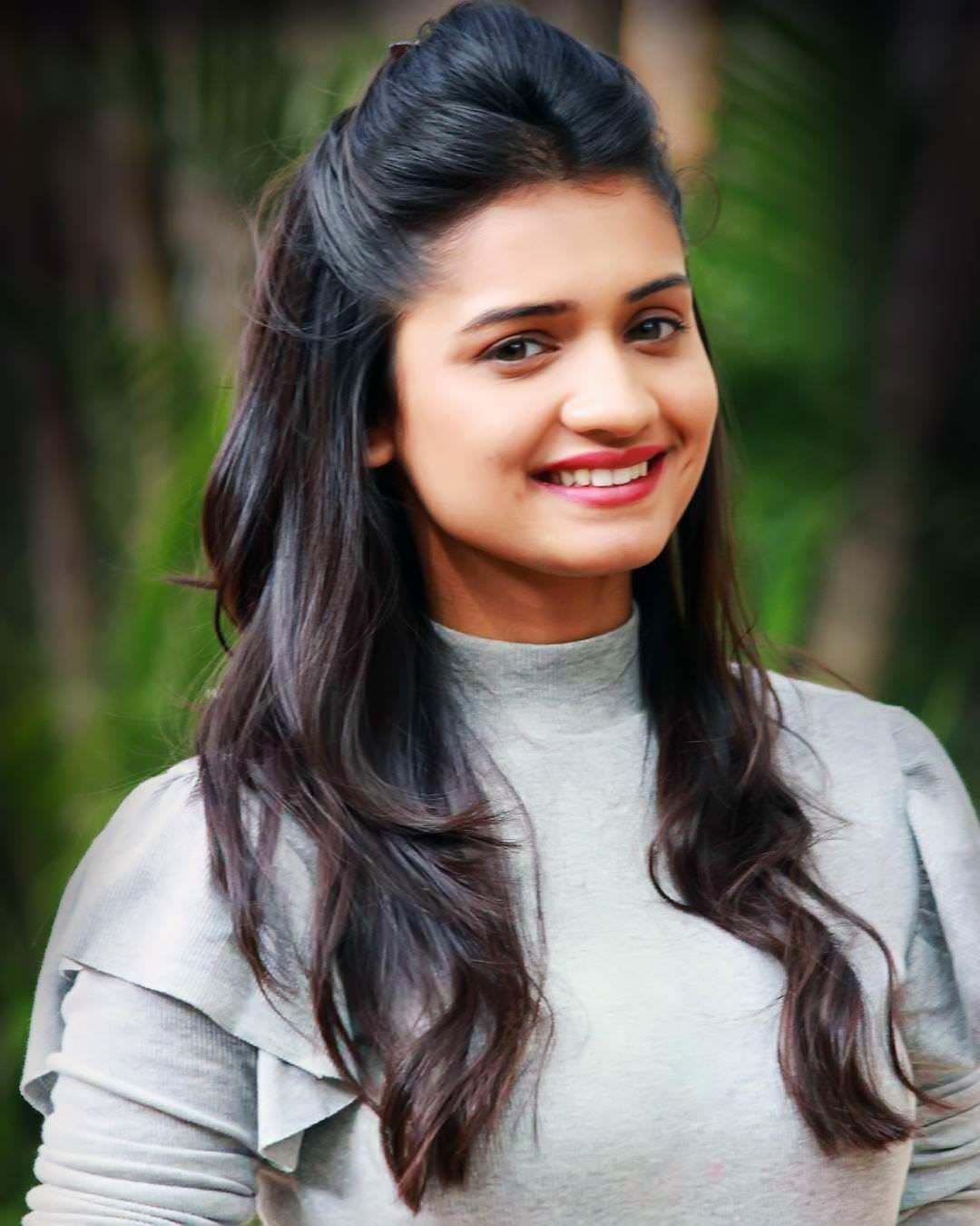 Hruta Durgule HD Photos | best woman | Pinterest