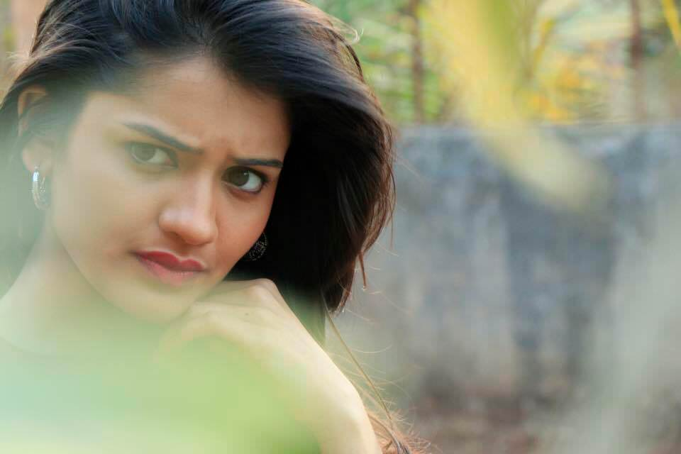 Hruta Durgule Phulpakharu Tv Serial Actress
