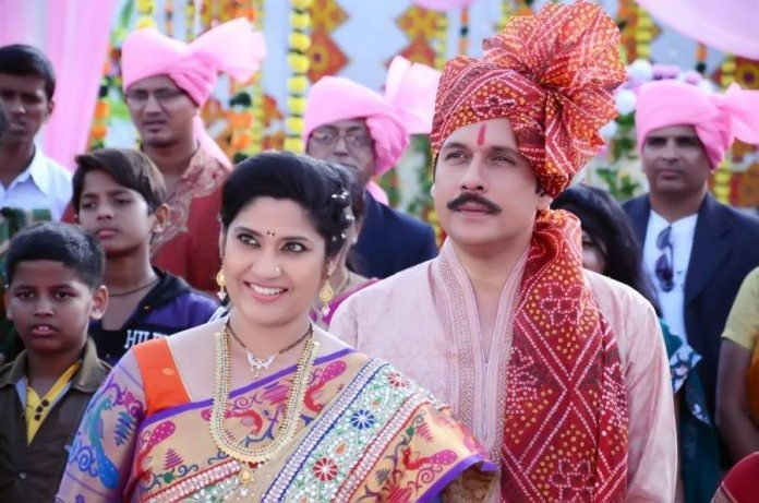 Renuka Shahane is back with Marathi Movie 'Te Aath Diwas'