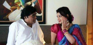 Ashok Saraf & Varsha Usgaonkar - HuTuTu Marathi Movie