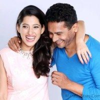 Atul Kulakrni and Priya Bapat -Happy Journey-1