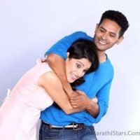 Atul Kulkarni and Priya Bapat in Happy Journey
