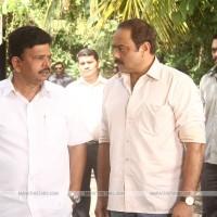 Vinay Apte & Sachin Khedekar - Gulabi Marathi Movie