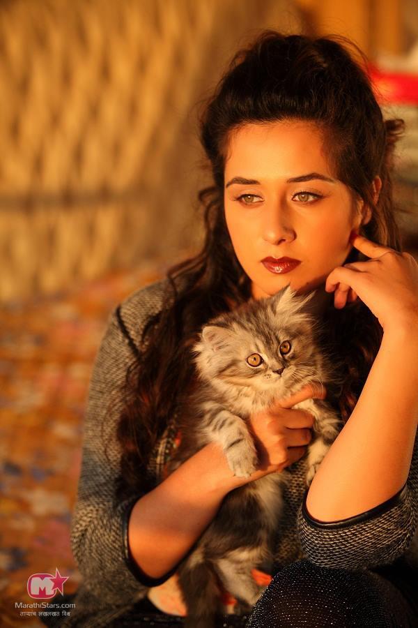 Tejaswini Lonari Marathi Actress Biography, Wiki -8645