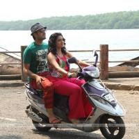 Siddharth Chandekar & Urmila Kothare - Baavare Prem He