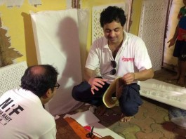 Subhod Bhave with craft work accompanied by writer Kaustubh Sawarkar