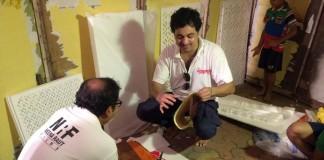 Subhod Bhave with craft work accompanied by writer Kaustubh Sawarkar