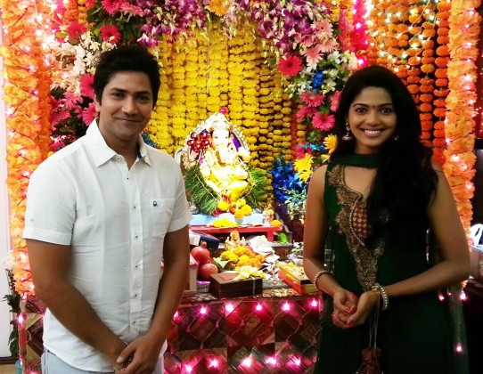 Aniket Vishwasrao & Pooja Sawant