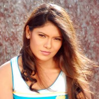 Suruchi Adarkar Marathi Actress Biography Filmography Wallpapers images Birthdate