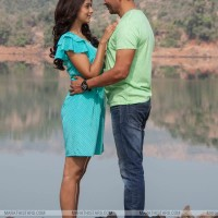 Atul Kulkarni, Priya Bapat - Happy Journey