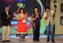Zee Marathi Awards: Honaar Soon Mee-Best serial and Jahnavi-shree Best Couple.