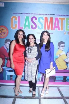 (L-R) Amruta Khanvilkar, Bela Shinde and Sonalee Kulkarni