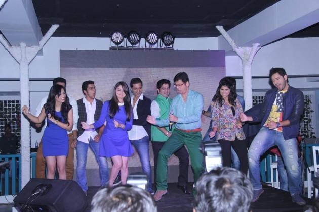 Team Classmates performing with Umesh Jadhav