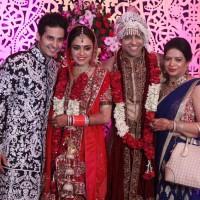 Amruta Khanvilkar with Himmanshoo Ashok Malhotra & family