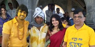 Gashmir Mahajani, Dir Sanjay Londe, Kashmira Kulkarni and Producer Mr Thakur