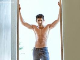 Aroh Welankar Marathi Actor