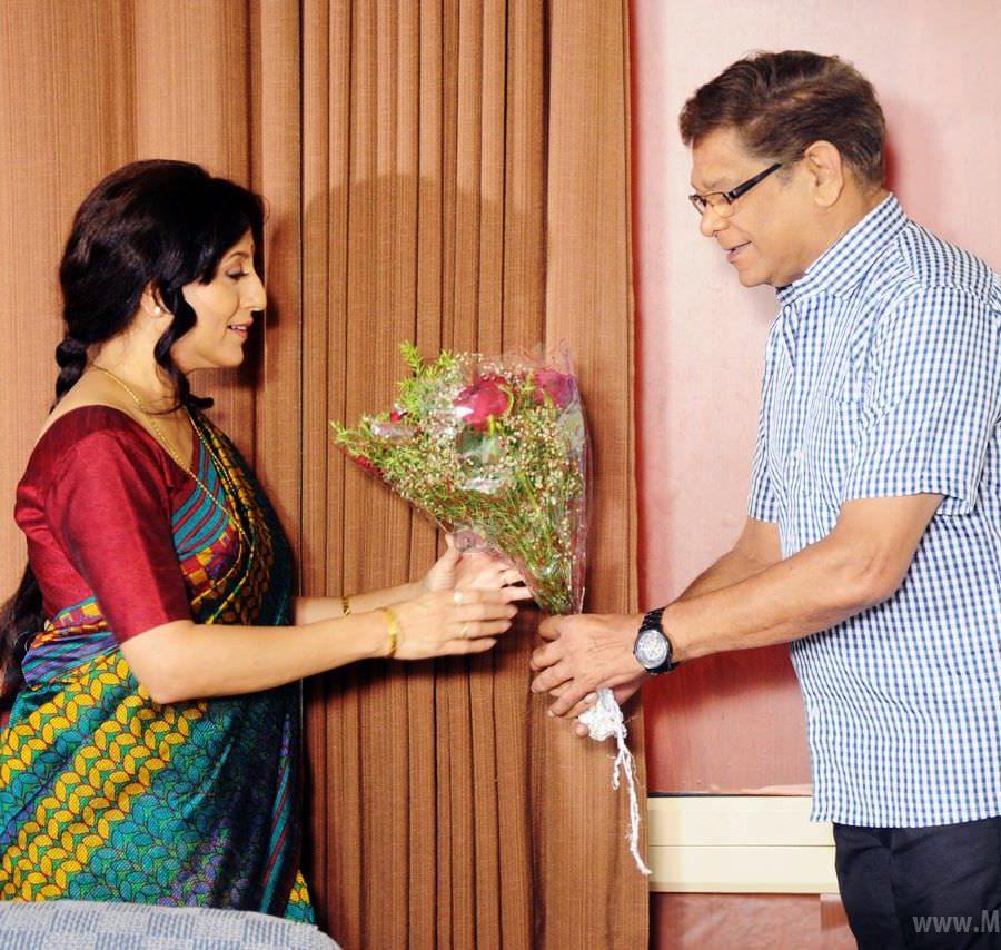 Kishori Shahane Vij & Mohan Joshi - Dhurandhar Bhatawdekar