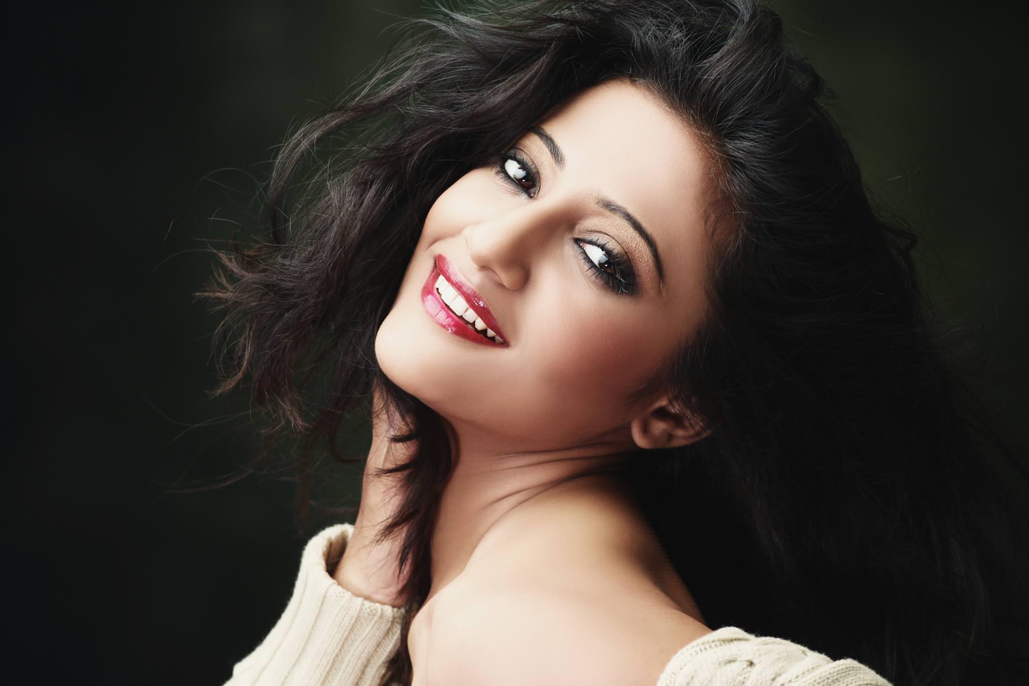 Radhika apte hot marathi bolly actress exposing her pussy - 1 part 1