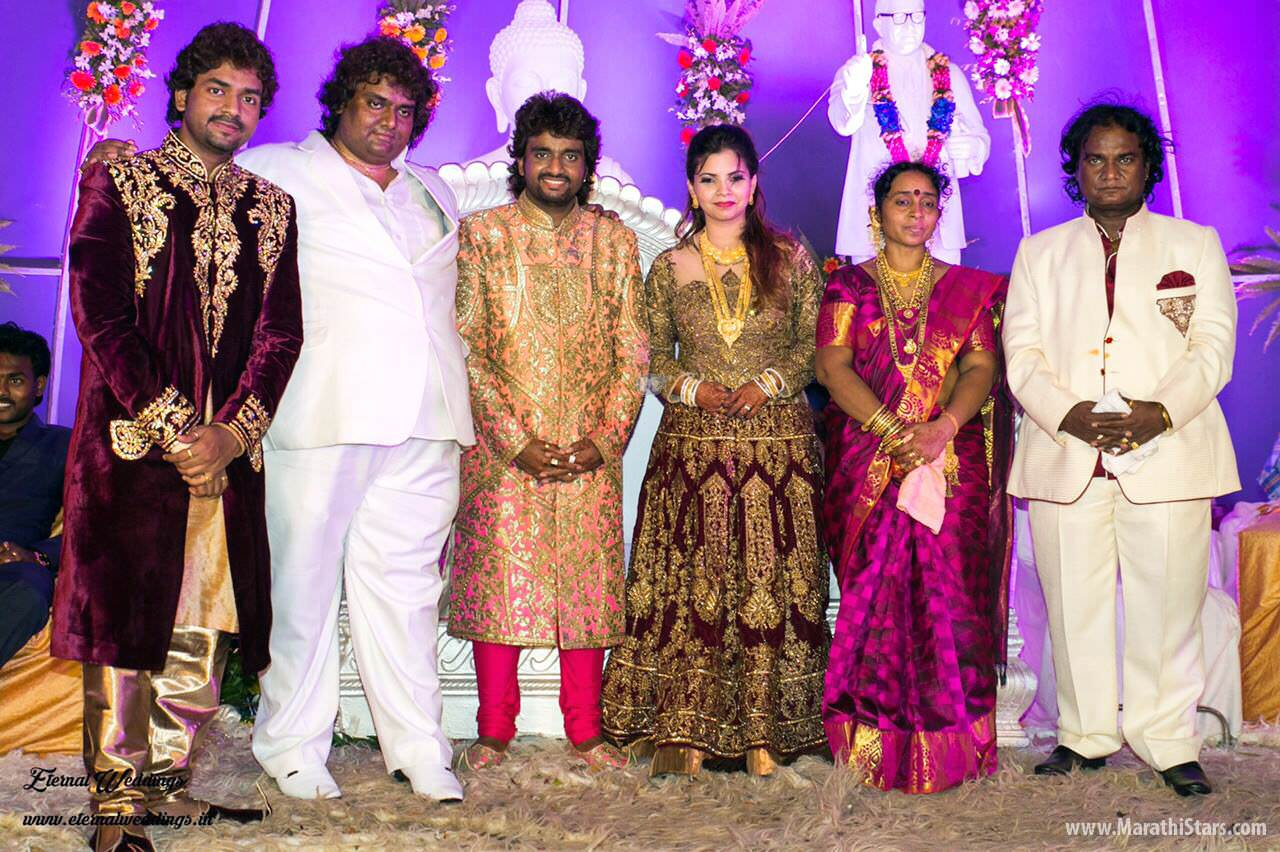Newly wed marathi couple coolbudy - 1 4