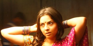 Sonalee Kulkarni Hot Photos