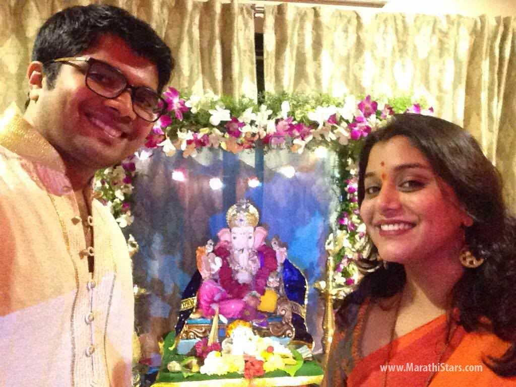 Marathi actor actress ganpati festival celebration photos 2015 Home decoration tips in marathi