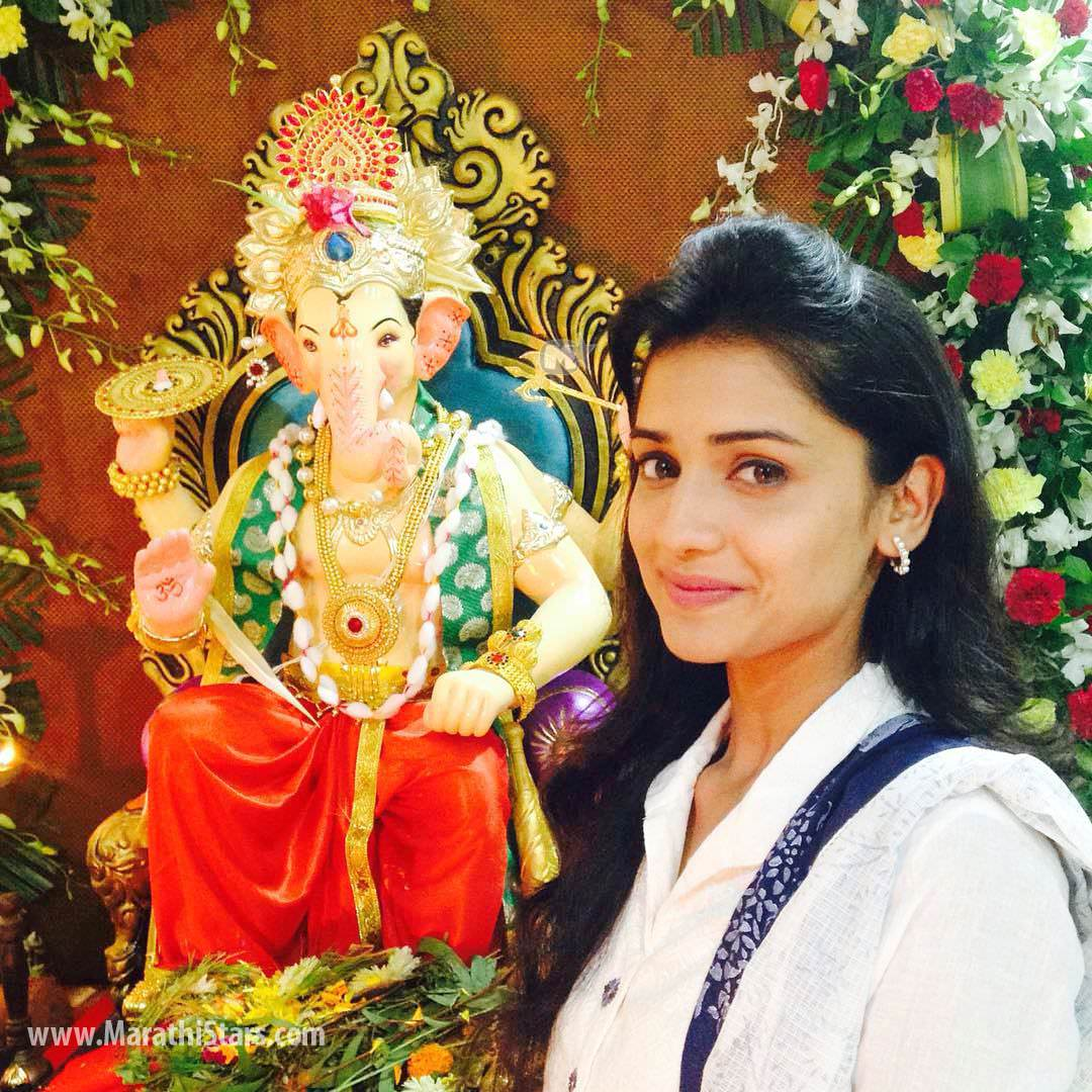 marathi actor actress ganpati festival celebration photos 2015