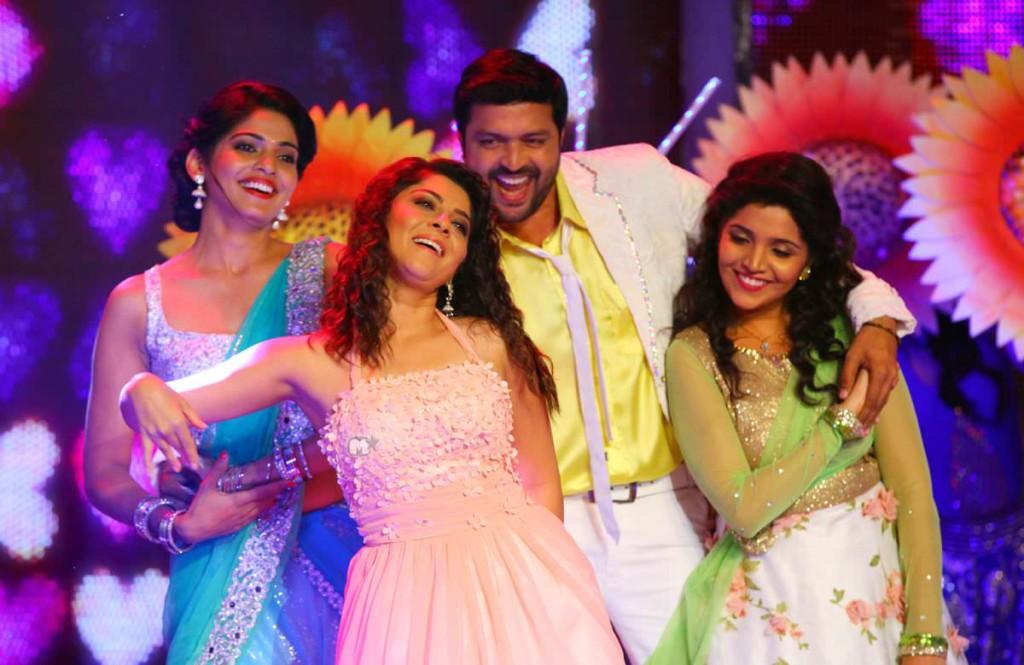 Ankush Chudhari, Sonalee Lulkarni, Pooja Sawant, Mukta Barve