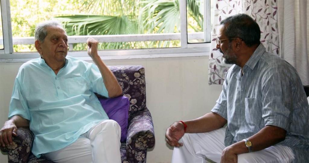 Natsamrat (Nana Patekar) met Natsamrat (Dr Shreeram Lagoo)