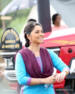 Sonalee Kulkarni Poshter Girl Marathi Movie Photos